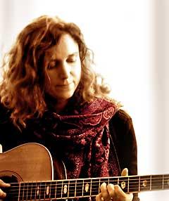 Lynn Hollyfield